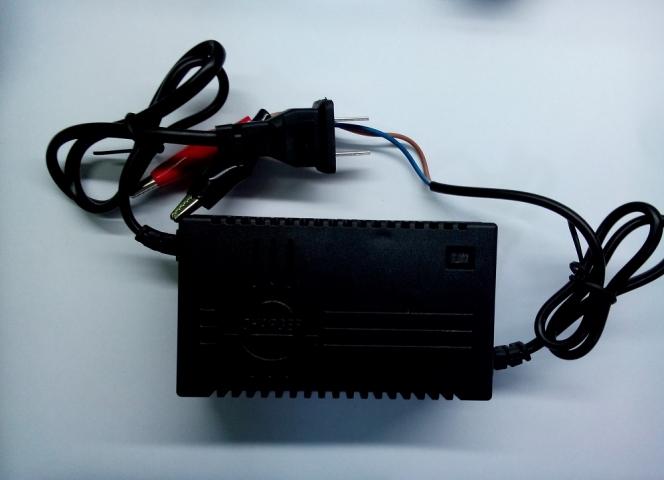 Máy nạp ắc quy tự ngắt 12V 5Ah - 20AH   Linh kiện điện tử 4U