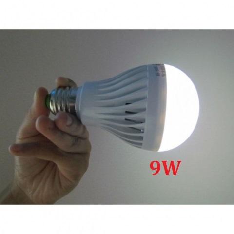 Đèn LED sạc tích điện 9W