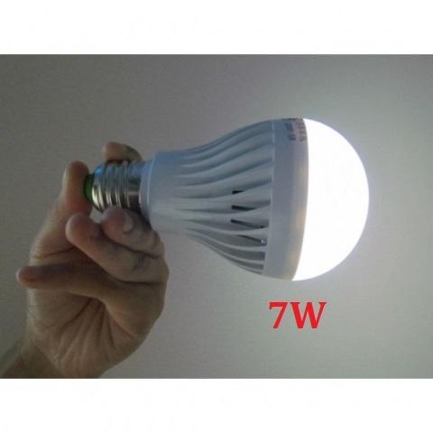 Đèn LED sạc tích điện 7W