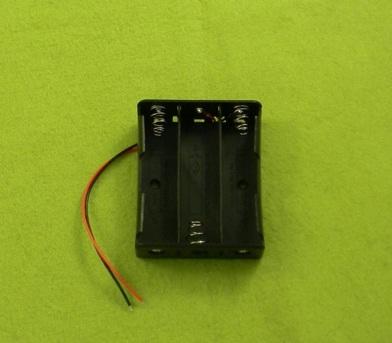 Hộp 3 pin lithium 18650