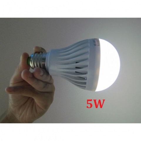Đèn LED sạc tích điện 5W