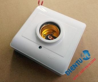 Đui đèn cảm biến chuyển động dùng vi sóng Rada